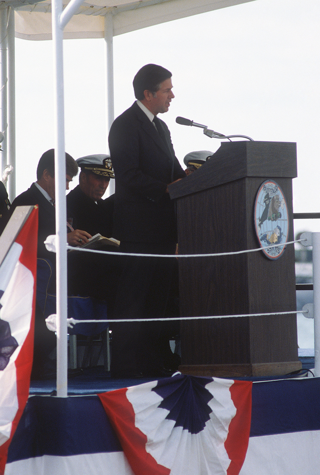 A distinguished guest speaks during the commissioning ceremony for the nuclear-powered attack submarine USS BUFFALO (SSN 715)