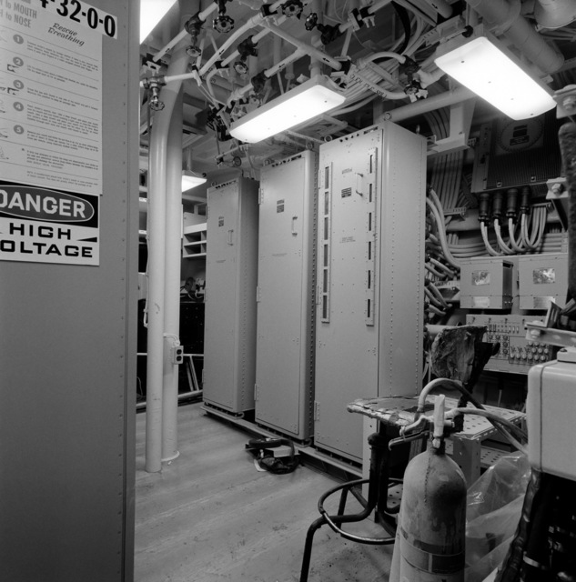 A view of the sonar equipment room aboard the guided missile frigate THACH (FFG 43). The ship, under construction at Todd Pacific Shipyards, is 90 percent complete