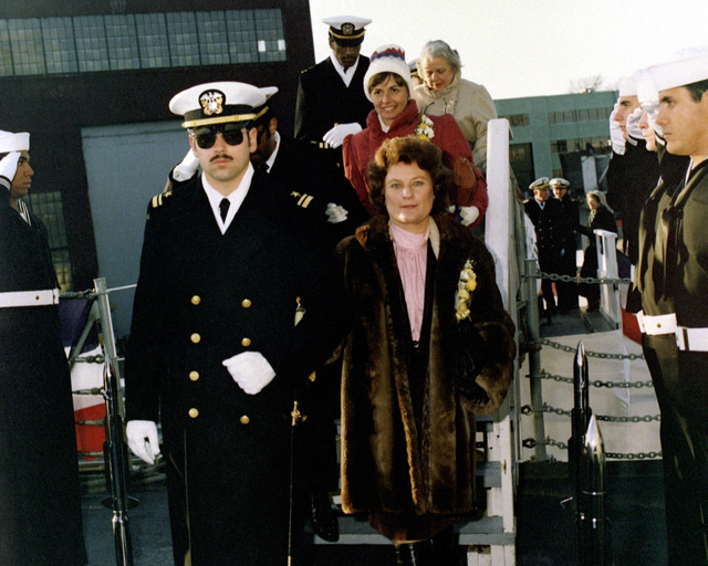 Rita C. Kennedy, sponsor, arrives for the commissioning of the guided missile frigate USS DE WERT (FFG-45)