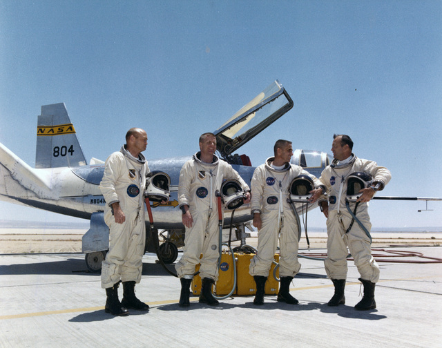 Photograph of Jerauld R. Gentry, Peter C. Hoag, John A. Manke and William H. Dana with a HL-10 Aircraft