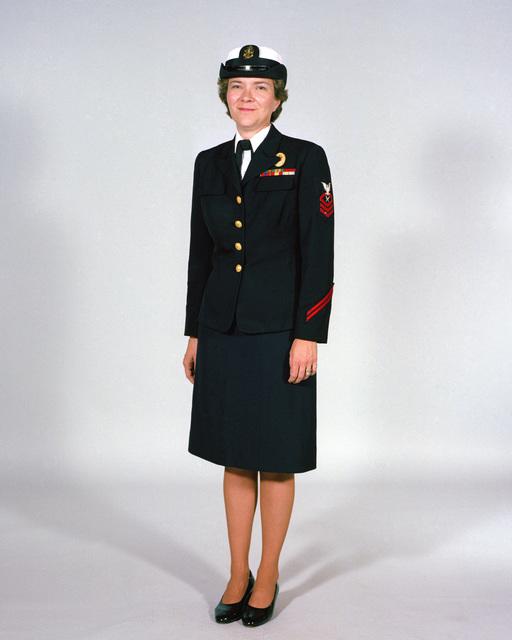 Navy Uniforms: Women's Service Dress Blue, CHIEF PETTY Officer. 1984 Uniform Regulations, Page 6-14