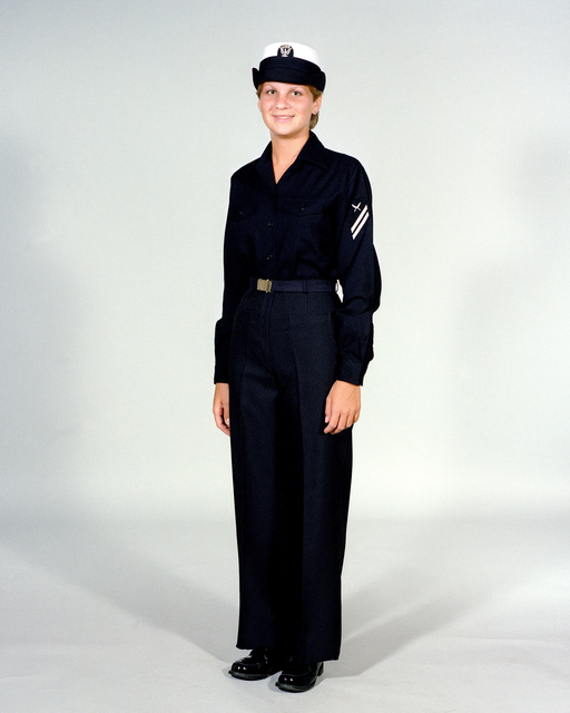 Navy Uniforms: Women's Winter Working Blue, E-1 through E-6. 1984 Uniform Regulations, Page 8-21
