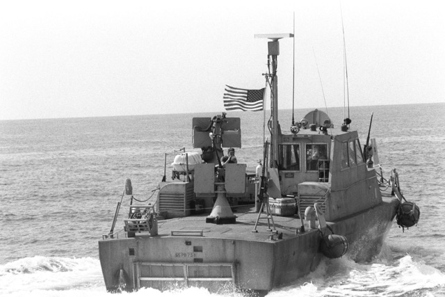 A starboard quarter view of a PB Mark III patrol boat in use during the redeployment of the 22nd Marine Amphibious Unit to ships of Amphibious Squadron 4, at the conclusion of a multinational peacekeeping operation