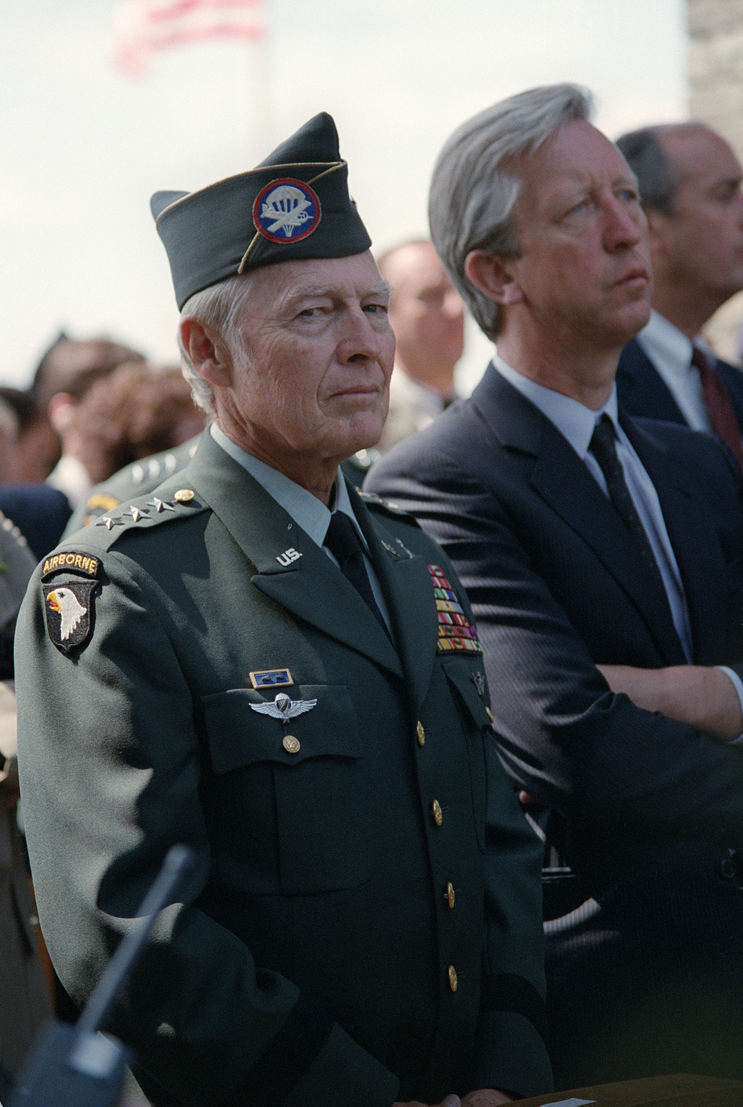 A retired 101st Airborne Division general officer attends a