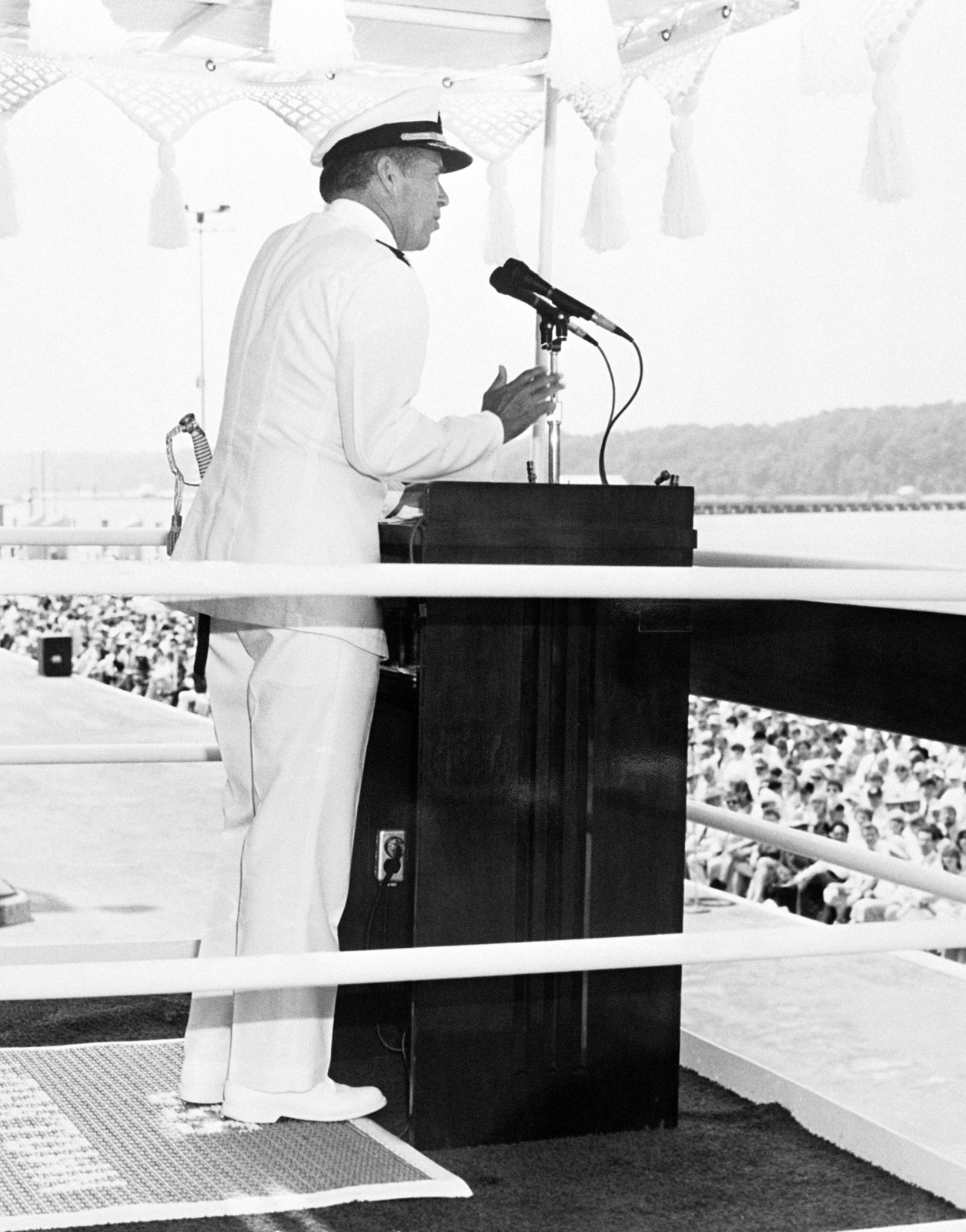 Admiral (ADM) Wesley L. McDonald, Deputy CHIEF of Naval Operations (Surface Warfare), speaks during the commissioning ceremony for the Aegis guided missile cruiser USS YORKTOWN (CG 48)