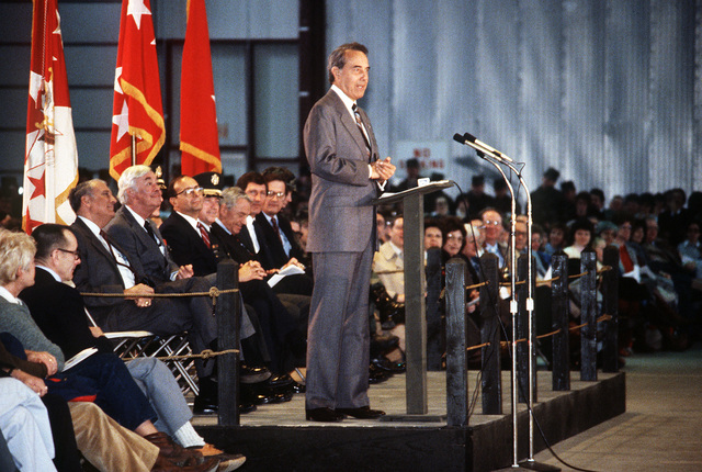 Senator Robert Dole, R-Kansas, addresses guests during the activation ceremony for the 10th Mountain Division (Light Infantry)