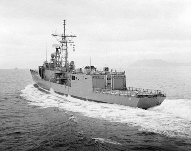 Port quarter view of the Oliver Hazard Perry class guided missile frigate USS CARR (FFG 52) underway during builder's acceptance trials. (SUBSTANDARD)
