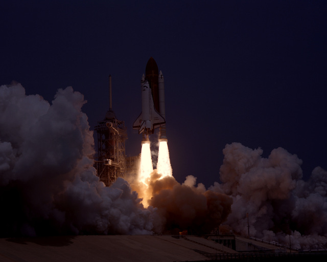 The Space Shuttle Challenger lifts off from Pad 39A on the 51-B Spacelab mission. A landing is scheduled at Dryden Flight Research Center, Calif., on May 6