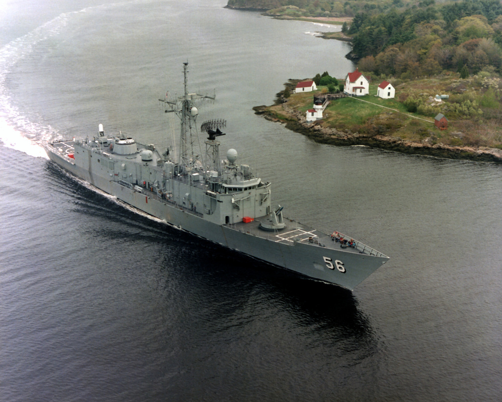 A starboard bow view of the guided missile frigate SIMPSON (FFG-56) underway on the Kennebec River while en route to sea trials