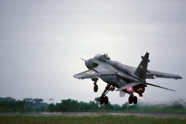 An Ecuadorian air force Jaguar aircraft prepares to take off during the joint US and Ecuadorian Exercise BLUE HORIZON