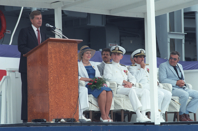 Senator Mack Mattingly, R-Georgia, speaks during the commissioning of the guided missile frigate USS ELROD (FFG 55),