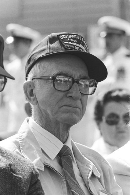 A survivor of the World War II destroyer escort USS SAMUEL B. ROBERTS (DE 413) attend the commissioning ceremony for the guided missile frigate USS CARR (FFG 52) at Todd Pacific Shipyards Corp. The USS CARR is named in honor of GUNNER's Mate 3rd Class Paul Henry Carr (1924-1944), who died heroically aboard the USS SAMUEL B. ROBERTS during the battle off the coast of Samar