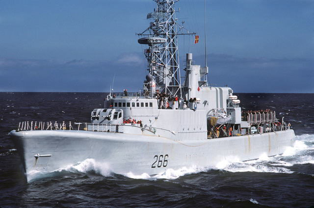 A port bow view of the Canadian frigate HMCS NIPAGON (F-266) underway during NATO Exercise OCEAN SAFARI '85