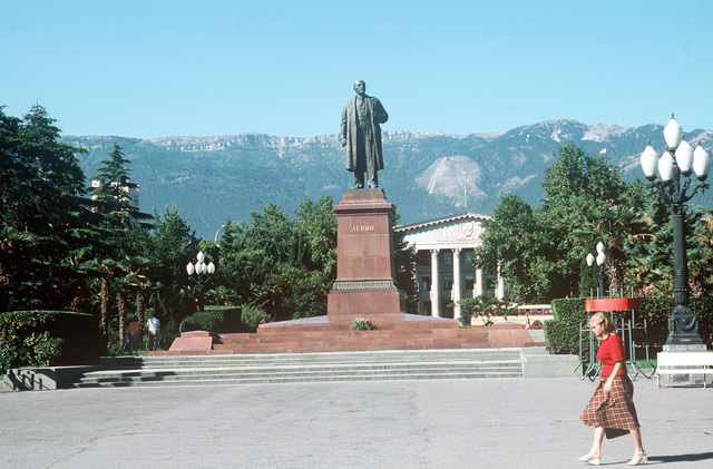 A statue of Vladimir Lenin, founder of the Soviet State, in the city square opposite the port entrance