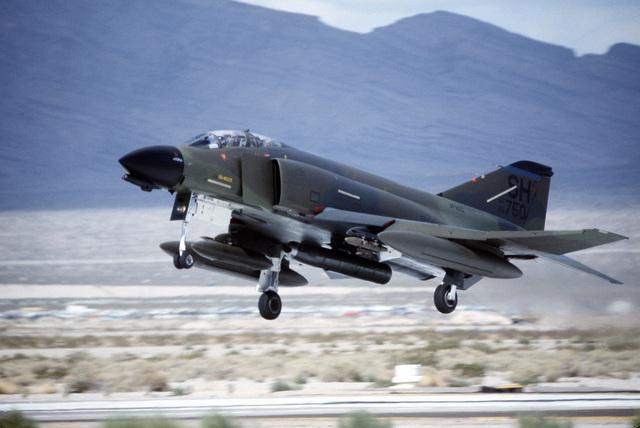 An Air Force Reserve F-4 Phantom II aircraft lands during Exercise GUNSMOKE '85