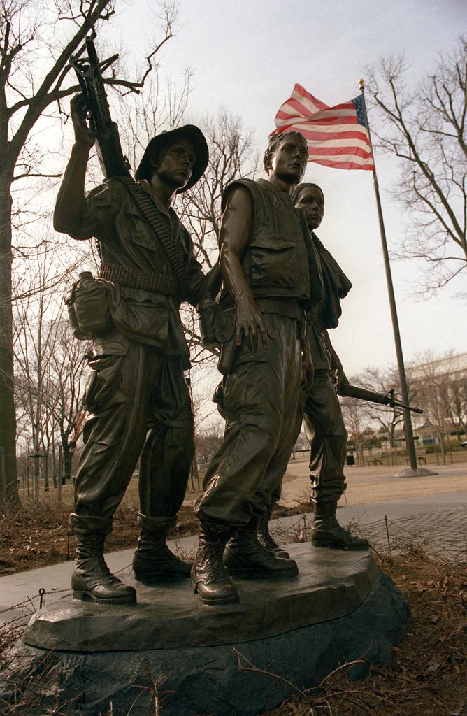 The Vietnam Veterans Memorial statue