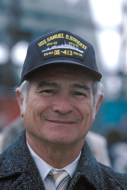A survivor of the destroyer escort SAMUEL B. ROBERTS (DE 413), which was sunk during World War II, attends the commissioning of the guided missile frigate USS SAMUEL B. ROBERTS (FFG 58)