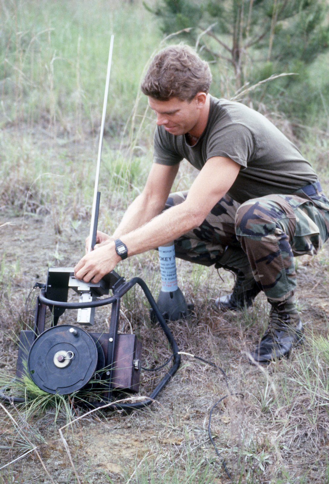 Sergeant (SGT) Tony Ramsay, 56th Combat Support Squadron, sets up a GTR-18A Smokey Sam surface-to-air missile simulator during Exercise PATRIOT PEACH '86