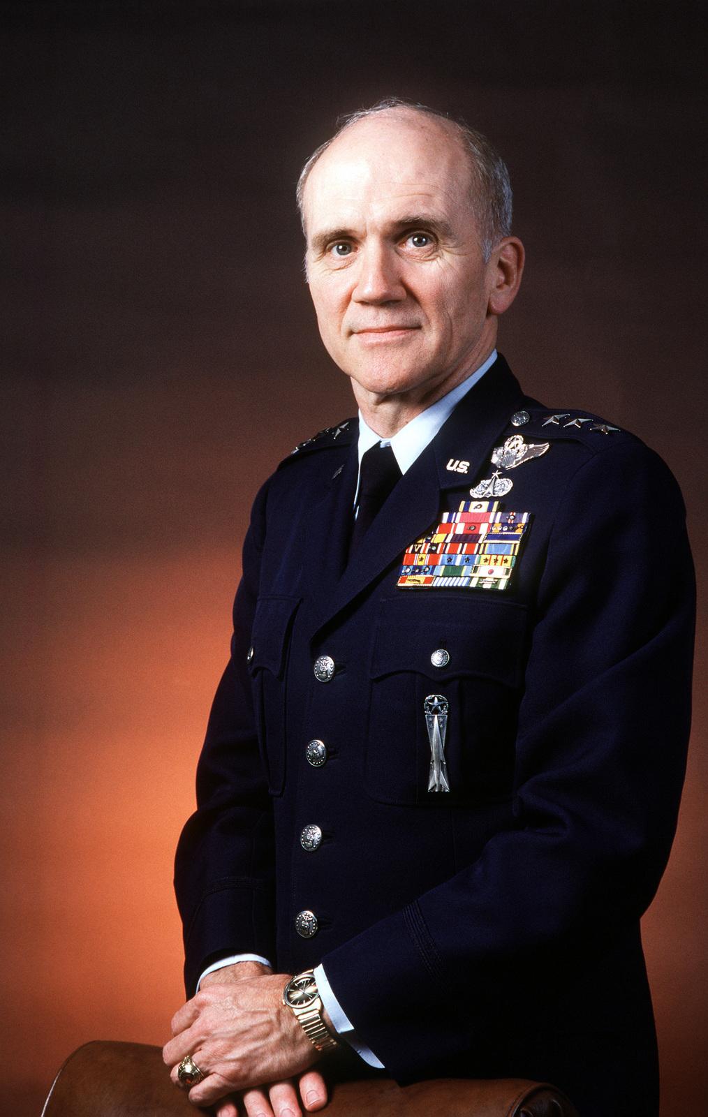 LGEN Thomas H. McMullen, USAF (uncovered)