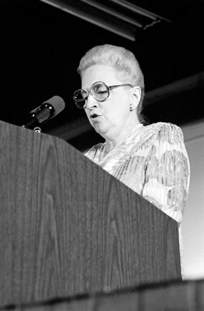 Sponsor Margaret Truman Daniels speaks during a post-recommissioning dinner for the battleship USS MISSOURI (BB 63)