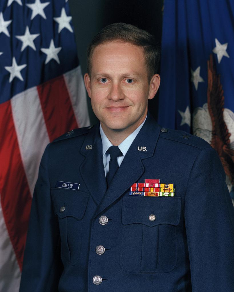 Portrait: US Air Force (USAF) Brigadier General (BGEN) William P. Hallin (uncovered)