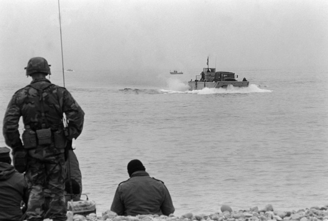 An LCM 8 mechanized landing craft approaches the beach during the amphibious assault portion of the joint US/South Korean Exercise TEAM SPIRIT 87