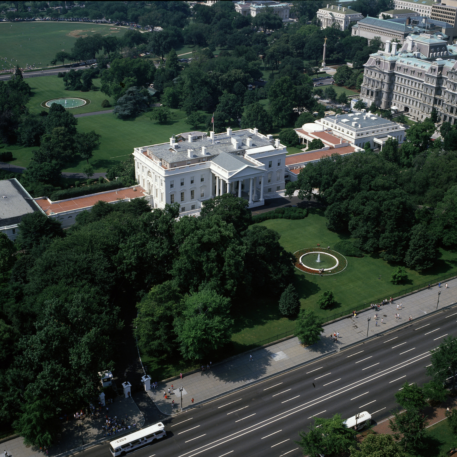 Wondrous An Aerial View Looking Southwest Of The White House The Download Free Architecture Designs Scobabritishbridgeorg