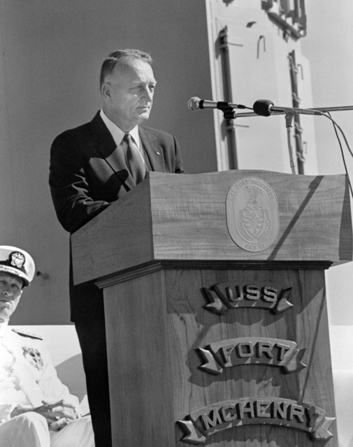 Retired Colonel (COL) Eugene E. Shoults, manager, Amphibious Warfare and Strategic Sealift Program, Naval Sea Systems Command, speaks during the commissioning of the dock landing ship USS FORT MCHENRY (LSD 43)