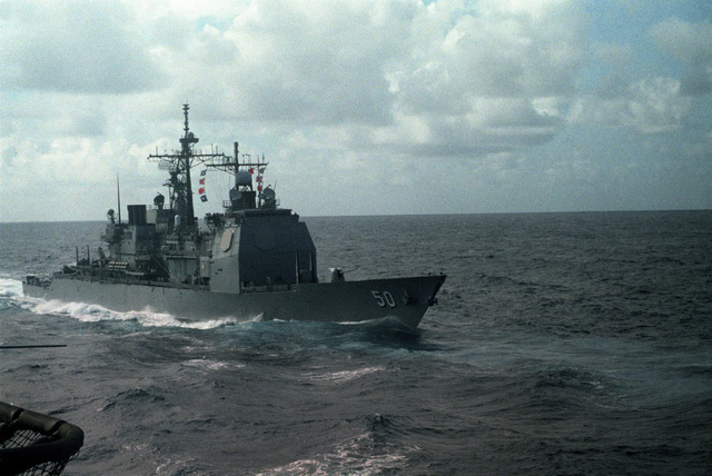 A starboard bow view of the guided missile cruiser USS VALLEY FORGE (CG 50) underway