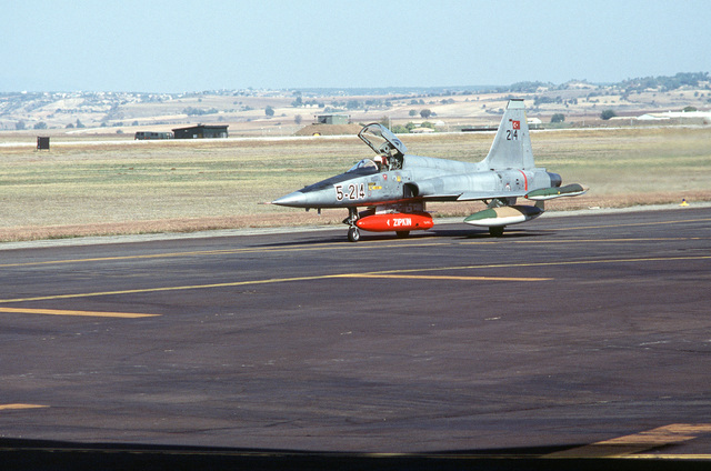 An F-5A Freedom Fighter aircraft of the Turkish air force taxis on the flight line at Incirlik Air Base