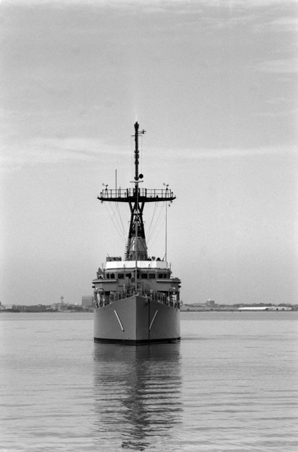 A bow view of the mine countermeasures ship USS AVENGER (MCM 1) arriving in home port at Naval Base, Charleston. The AVENGER assigned to Mine Squadron 2, is the first of eight ships currently being built by the Navy to replace the older ocean minesweepers (MSOs) constructed in the 1950s