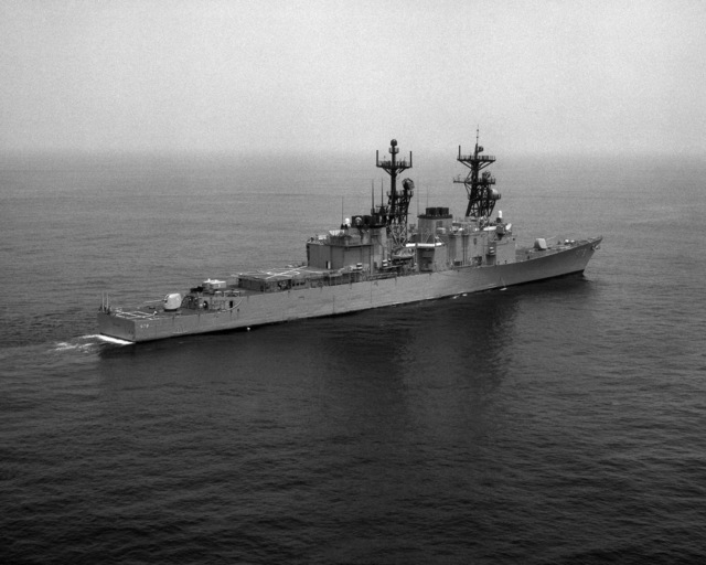 A starboard quarter view of the destroyer USS STUMP (DD 978) underway off the coast of Norfolk, Virginia (VA)