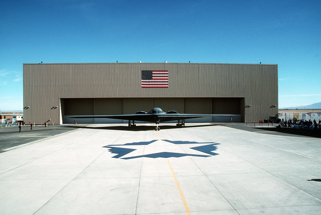 The newly introduced B-2 advanced technology bomber sits on the flight line in front of Air Force Plant 42 during the roll out ceremony