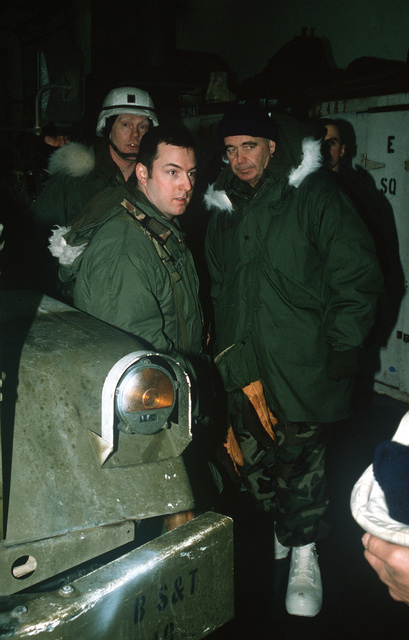 Brigadier General William Fareman, right, of Forces Command (FORSCOM), J-4, visits the soldiers and facilities of the 706th Maintenance Battalion during Exercise BRIM FROST '89