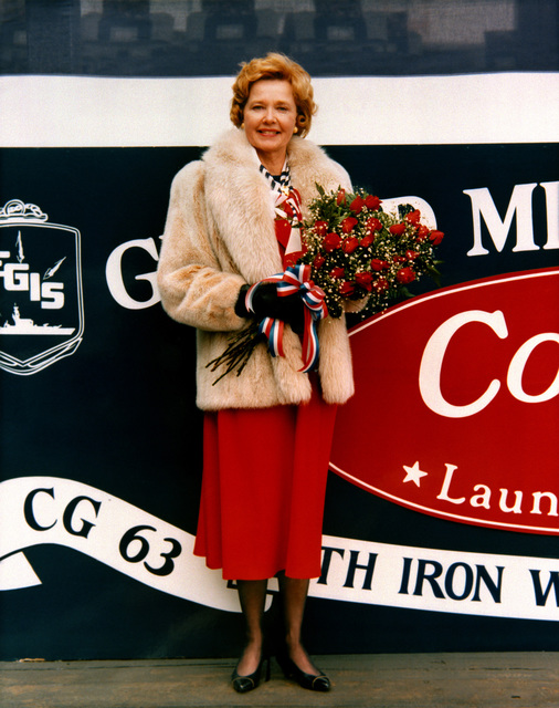 Lucy Mustin, sponsor of the Guided Missile Cruiser USS COWPENS (CG 63)