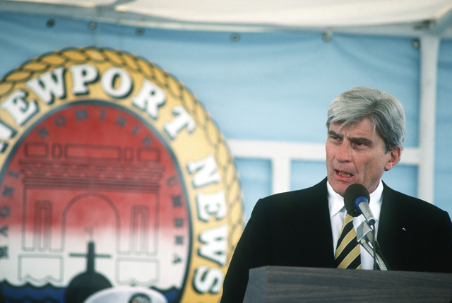 Senator John W. Warner, Republican-Virginia, speaks at the commissioning of the nuclear-powered submarine USS NEWPORT NEWS (SSN 750)