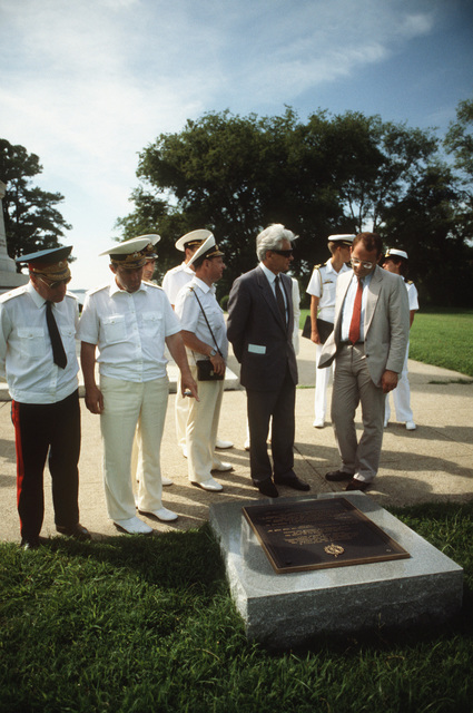 Yuriy V. Dubinin, Soviet ambassador to the United States, tours Yorktown National Battlefield Monument with his entourage. Officers and crewmen of three Soviet ships, the guided missile cruiser MARSHAL USTINOV (CG 088), the guided missile destroyer OTLICHNYY (DDG 434), and the replenishment oiler GENRIKH GASANOV are visiting area historic sites as part of their five-day goodwill visit to Naval Base, Norfolk