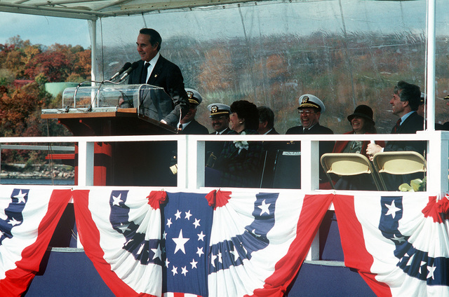 Senator Robert Dole, US Senate minority leader, delivers the principal address during the commissioning ceremony of the nuclear-powered attack submarine USS TOPEKA (SSN 754)