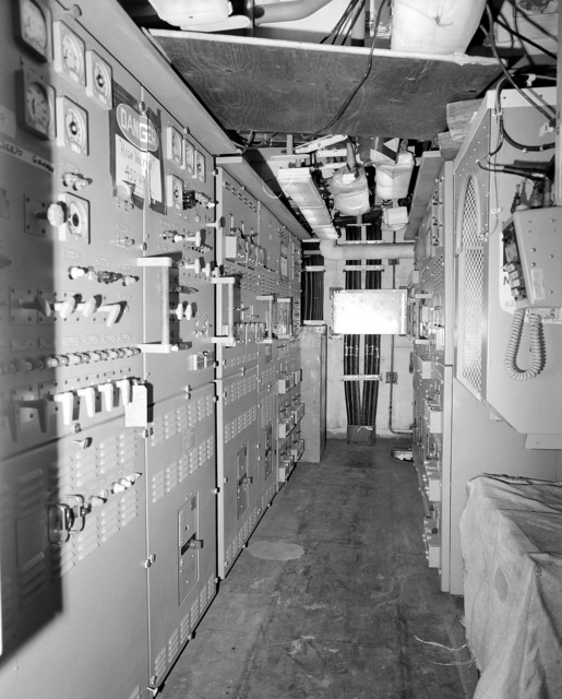 A view of main engine room No. 2 aboard the guided missile cruiser COWPENS (CG 63). The ship is 80 percent complete