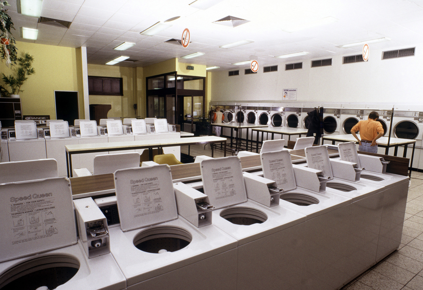 Customers use the Truman Plaza laundry, an Army/Air Force Exchange facility