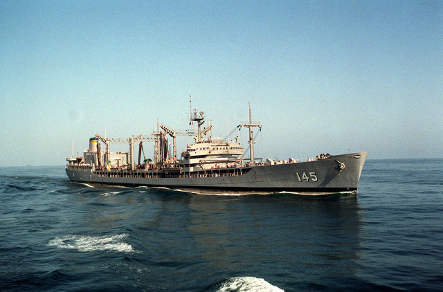 A starboard bow view of the fleet oiler USNS HASSAYAMPA (T-AO-145) underway during Operation Desert Storm