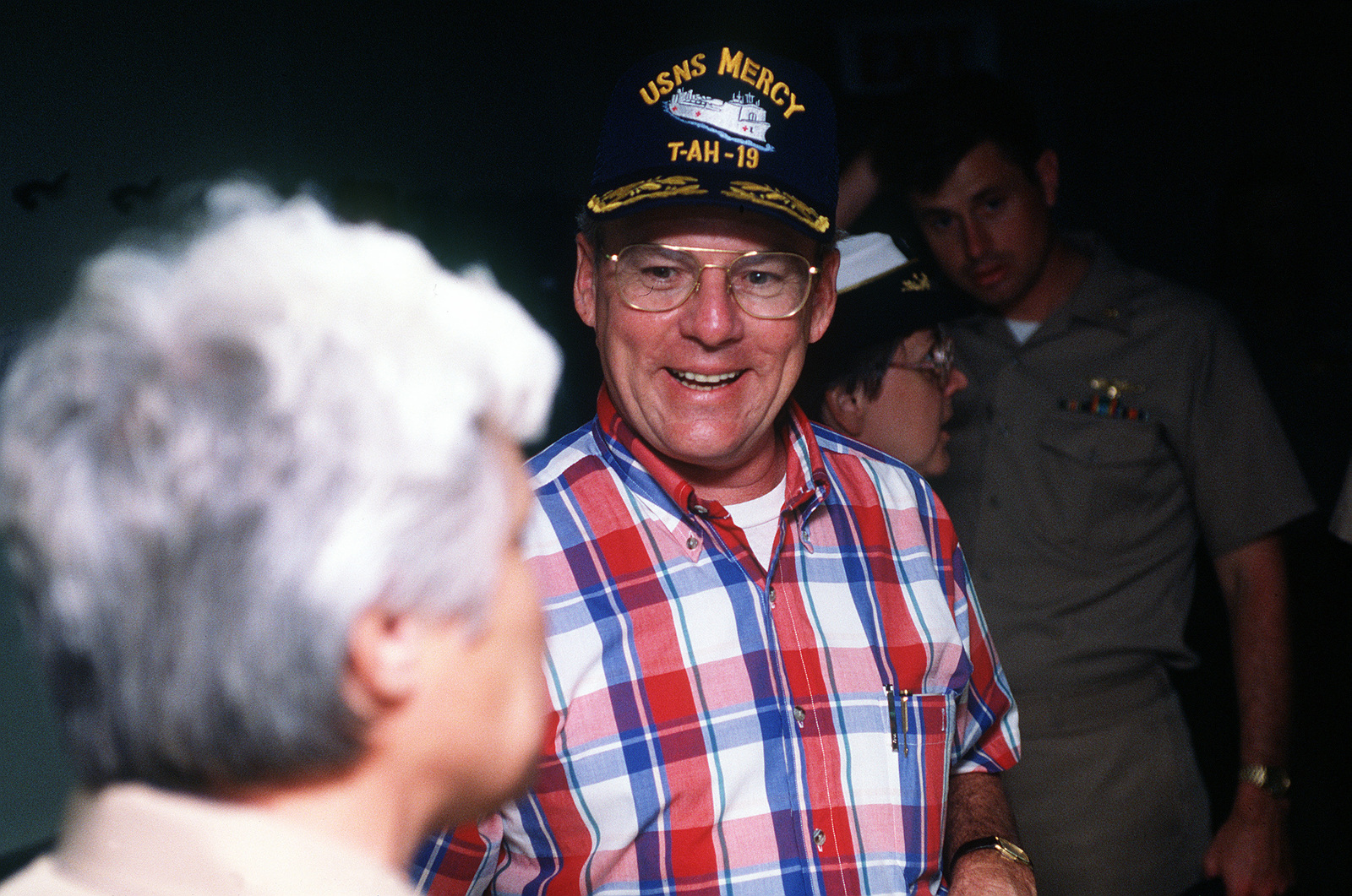 Secretary of the Navy H  Lawrence Garrett III talks with