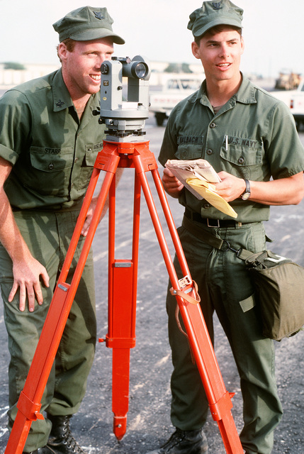 PETTY Officer 2nd Class Brad E. Starr, left, and PETTY Officer 3rd Class Chris R. Halbach of Reserve Naval Construction Battalion Hospital Unit 22 Fleet Hospital Six during Operation Desert Shield