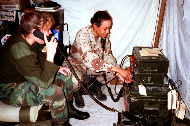 Hospital corpsmen set up a communications station at a field hospital during Operation Desert Storm