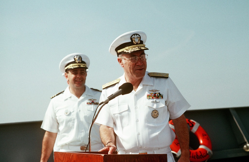 CHIEF of Naval Operations Adm. Frank B. Kelso II, speaks to the crew of the guided missile frigate USS NICHOLAS (FFG-47) as the ship nears Naval Station, Charleston, S.C., following its deployment to the Persian Gulf region for Operation Desert Shield and Operation Desert Storm