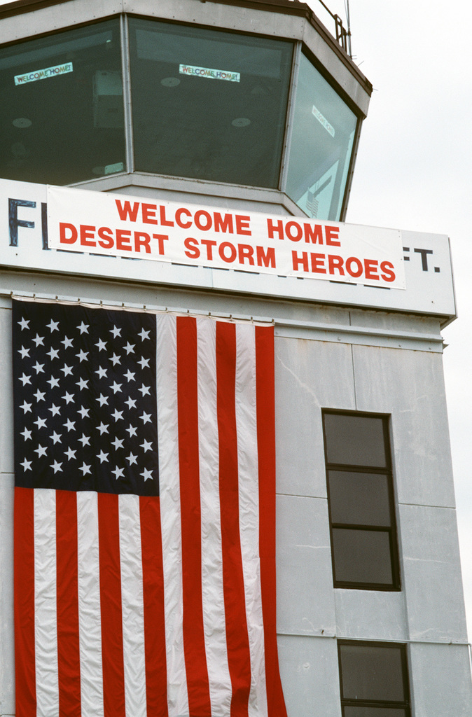 A sign on a control tower expresses the sentiments of air station personnel as they prepare to honor members of Carrier Air Wing 3 (CVW-3) and Carrier Air Wing 17 (CVW-17). U.S. Navy personnel from both wings are being honored for their participation in Operation Desert Storm during homecoming ceremonies at the air station