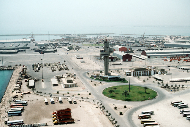 An overview of a port facility during redeployment operations in the aftermath of Operation Desert Storm
