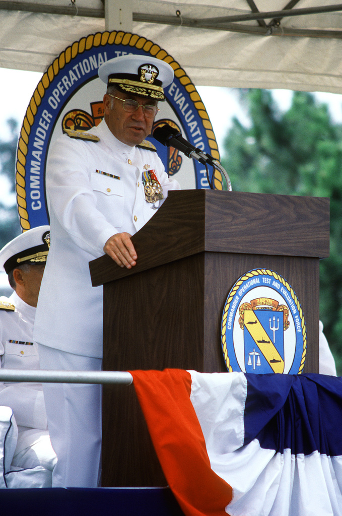 ADM Frank B. Kelso II speaks during the change of command ceremony at which RADM Hugh L. Webster relinquishes command of the Operational Test and Evaluation Force to RADM Virgil L. Hill Jr