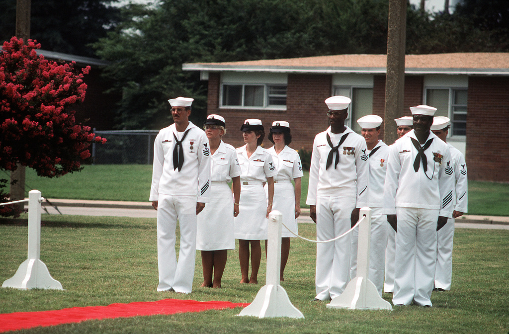 Sideboys stand at attention following the arrival of ADM Frank B. Kelso II for the change of command ceremony at which RADM Hugh L. Webster relinquishes command of the Operational Test and Evaluation Force to RADM Virgil L. Hill Jr