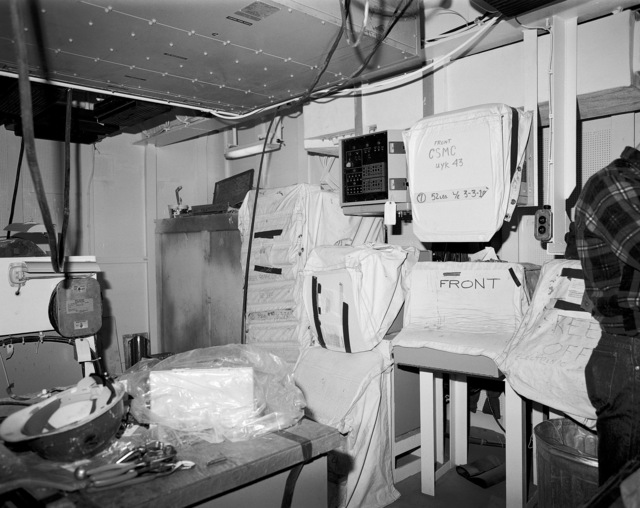 Combat system maintenance central, compartment 1-159-O-Q, aboard the guided missile cruiser USS LAKE ERIE (CG 70). The LAKE ERIE, under construction at the Bath Iron Works Corp. shipyard, is 70 percent complete